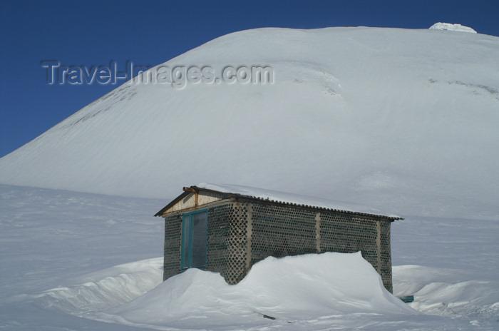 svalbard100: Svalbard - Spitsbergen island: Pyramiden: hut made of glass bottles - photo by A.Ferrari - (c) Travel-Images.com - Stock Photography agency - Image Bank