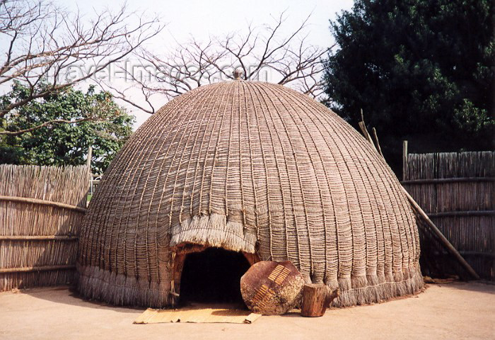 swaziland4: Swaziland - Lobamba:  Beehive Hut - siguca thandazaa - at the Swazi National Museum - photo by Miguel Torres - (c) Travel-Images.com - Stock Photography agency - Image Bank