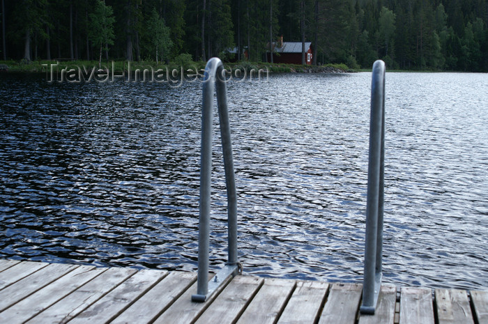 sweden78: Älvdalen, Dalarnas län, Sweden: the best way to the cold water of Navarsjö after a sauna - photo by A.Ferrari - (c) Travel-Images.com - Stock Photography agency - Image Bank