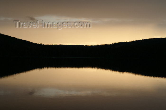 sweden80: Älvdalen, Dalarnas län, Sweden: reflections over the lake Navarsjö at sunset - photo by A.Ferrari - (c) Travel-Images.com - Stock Photography agency - Image Bank