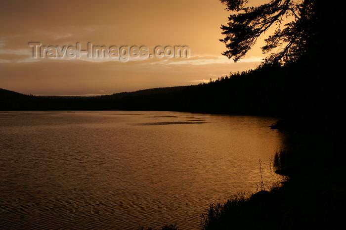 sweden82: Älvdalen, Dalarnas län, Sweden: lake Navarsjö at sunset - warm sky - photo by A.Ferrari - (c) Travel-Images.com - Stock Photography agency - Image Bank