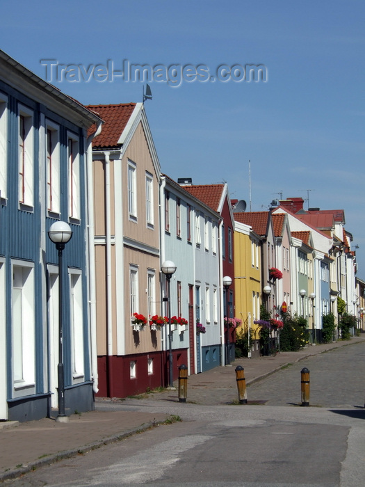 sweden99: Vastervik, Kalmar län, Sweden: painted wooden houses - photo by A.Bartel - (c) Travel-Images.com - Stock Photography agency - Image Bank