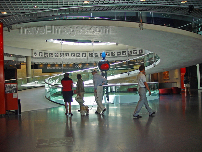 switz192: Switzerland - Suisse - Lausanne: Olympic museum - spiral ramp / musee olympique - photo by C.Roux - (c) Travel-Images.com - Stock Photography agency - Image Bank