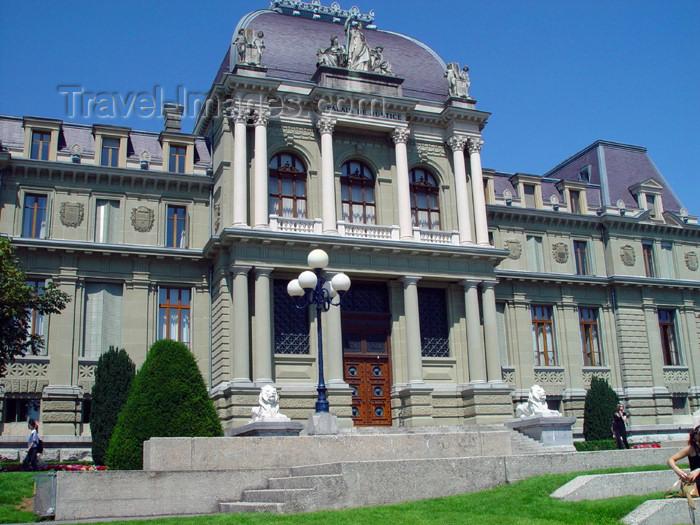 switz194: Switzerland - Suisse - Lausanne: Palace of Justice - court -  Esplanade de Montbenon / Palais de Justice - photo by C.Roux - (c) Travel-Images.com - Stock Photography agency - Image Bank