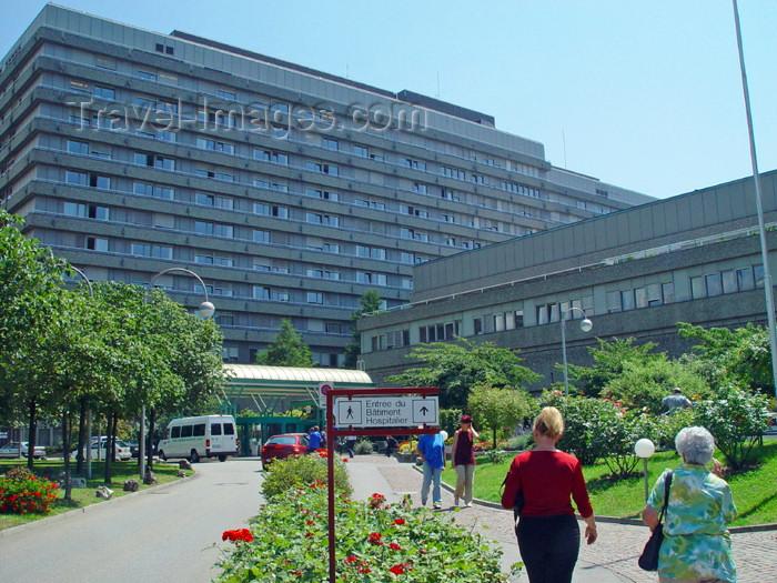 switz202: Switzerland - Suisse - Lausanne: Chuv - the university hospital - Centre Hospitalier Universitaire Vaudois - photo by C.Roux - (c) Travel-Images.com - Stock Photography agency - Image Bank