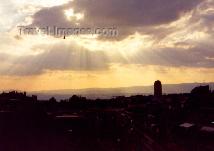 switz22: Switzerland - Lausanne / Losanna / QLS (Vaud canton): skyline - sunset - photo by M.Torres - (c) Travel-Images.com - Stock Photography agency - Image Bank