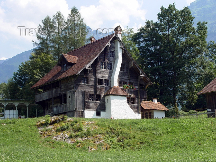 switz231: Ballenberg - open air museum: Obwalden - Unterwalden - 1600 house - photo by C.Roux - (c) Travel-Images.com - Stock Photography agency - Image Bank