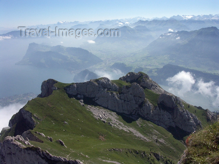 switz275: Switzerland / Suisse / Schweiz / Svizzera - Mt Pilatus (Unterwalden - Obwalden split Kanton): view over the Lake of 4 cantons / vue sur l'Esel et le lac des quatre-cantons - photo by C.Roux - (c) Travel-Images.com - Stock Photography agency - Image Bank