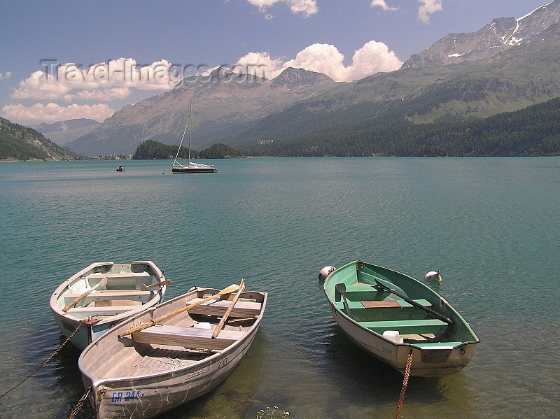 switz325: Switzerland - Maloja / Maloggia - Graubünden / Grigioni canton - 3 small boats on Lake Silvaplana / Silvaplanersee - photo by J.Kaman - (c) Travel-Images.com - Stock Photography agency - Image Bank