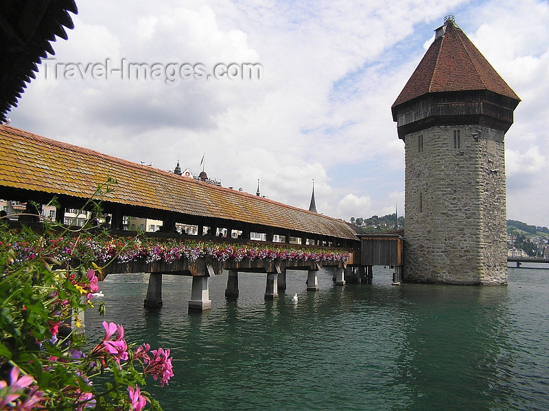 switz356: Switzerland - Luzern / Lucerne: Chapel bridge and Water tower - photo by J.Kaman - (c) Travel-Images.com - Stock Photography agency - Image Bank