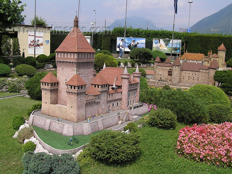 switz364: Switzerland - Melide, canton of Ticino: Swissminiatur open-air museum - Vufflens Castle - photo by J.Kaman - (c) Travel-Images.com - Stock Photography agency - Image Bank