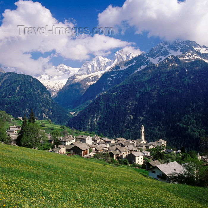 switz69: Switzerland - Soglio, Graubünden / Grisons: town built northern side of the Val Bregaglia / Bergell Tal - Alps - district of Maloja - photo by W.Allgower - (c) Travel-Images.com - Stock Photography agency - Image Bank