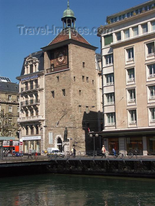 switz70: Switzerland / Suisse / Schweiz / Svizzera - Geneva / Genève / Genf / Ginevra / GVA : l'Ile Tower part of a 13th-century fortress built by Bishop Aymon de Grandson - Banque Safdié / tour de l'ile - photo by C.Roux - (c) Travel-Images.com - Stock Photography agency - Image Bank