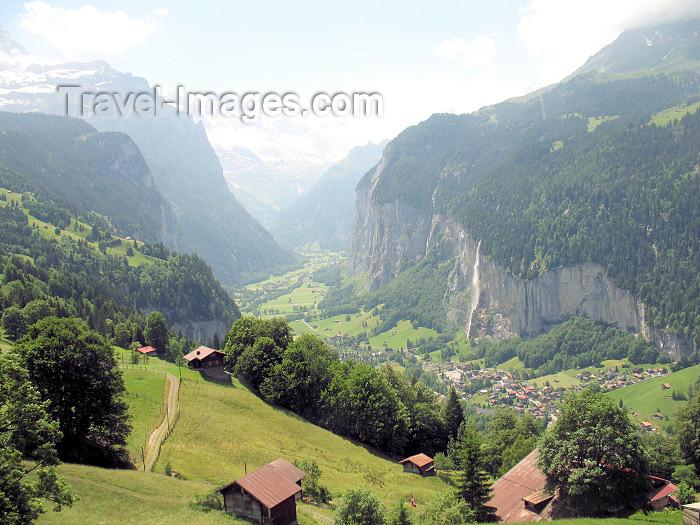 switz71: Switzerland / Suisse / Schweiz / Svizzera - Lauterbrunnen valley - Interlaken district - Bernese Oberland - photo by D.Hicks - (c) Travel-Images.com - Stock Photography agency - Image Bank