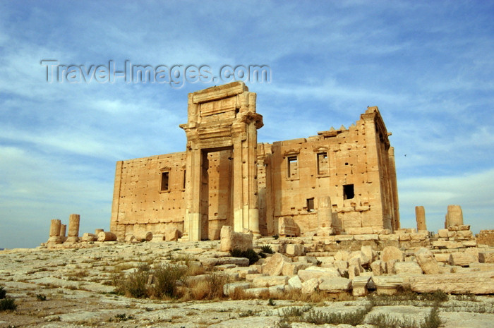 syria13: Syria - Palmyra: Temple of Bel / Bal / Baal - Babylonian religion - Semitic deity (photo by J.Wreford) - (c) Travel-Images.com - Stock Photography agency - Image Bank