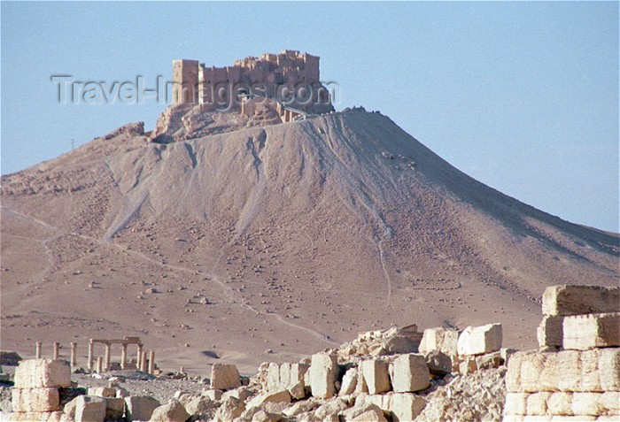 syria18: Syria - Palmyra / Tadmor / PMS, Homs governorate: Qala'at ibn Maan / Qalat-al-ibn-Marn-Amb castle - Unesco world heritage site - photo by J.Kaman - (c) Travel-Images.com - Stock Photography agency - Image Bank