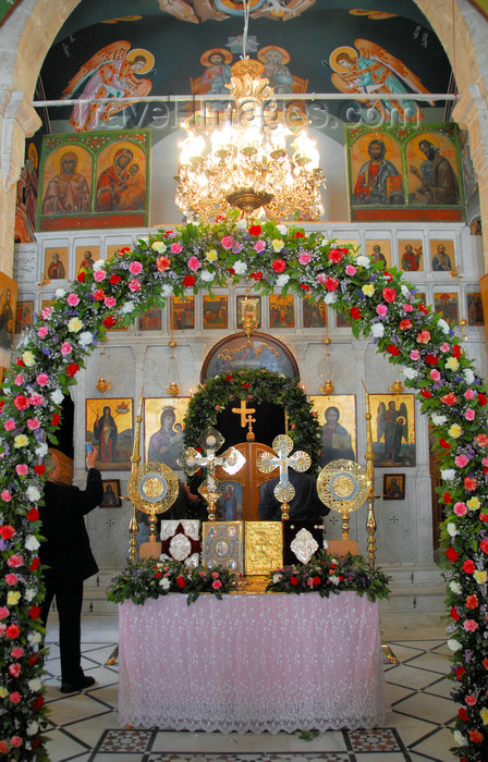 syria274: Maaloula - Rif Dimashq governorate, Syria: St Takla monastery - church - altar and floral arch - Constantin - photo by M.Torres / Travel-Images.com - (c) Travel-Images.com - Stock Photography agency - Image Bank