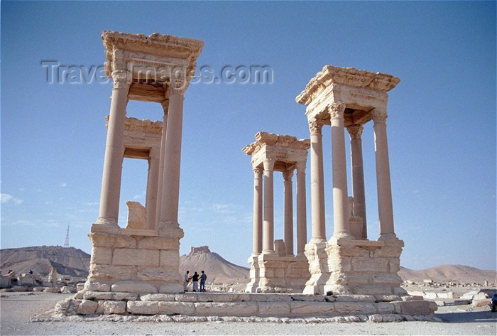 syria37: Syria - Palmyra: Tetrapylon - photo by J.Kaman - (c) Travel-Images.com - Stock Photography agency - Image Bank