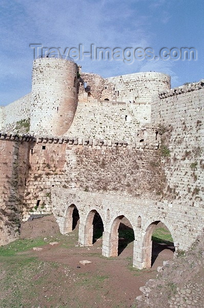 syria75: Crac des Chevaliers / Qala'at al-Hosn, Syria: bridge leading to the castle walls - UNESCO World Heritage Site - photo by J.Kaman - (c) Travel-Images.com - Stock Photography agency - Image Bank