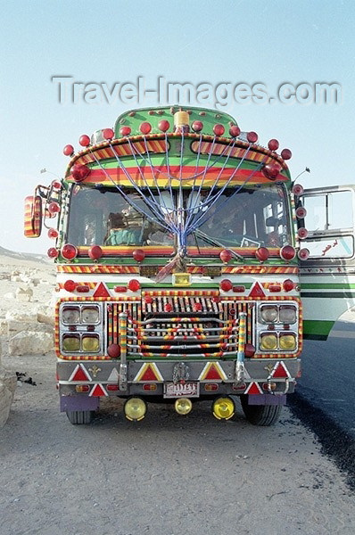 syria82: Syria - Palmyra / Tadmor / PMS: a Middle-Eastern bus - decorated bus (photo by J.Kaman) - (c) Travel-Images.com - Stock Photography agency - Image Bank