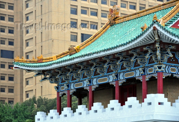 taiwan11: Taipei city McDonalds - photo by Bob Henry - (c) Travel-Images.com - Stock Photography agency - Image Bank