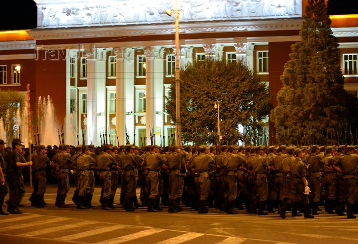 tajikistan13: Dushanbe, Tajikistan: military parade in front of the building of the parliament of Tajikistan, Dusti square - photo by M.Torres - (c) Travel-Images.com - Stock Photography agency - Image Bank