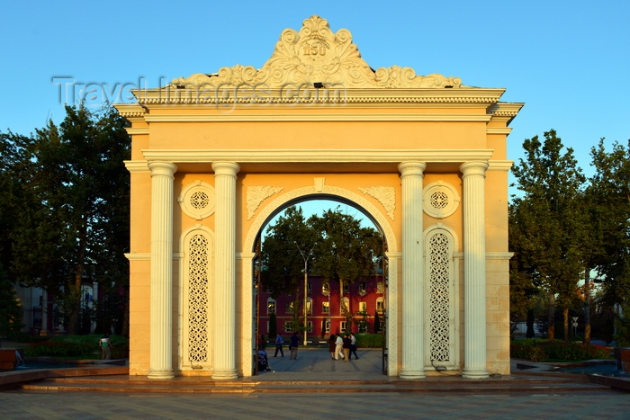 tajikistan73: Dushanbe, Tajikistan: neo-classical gate to Rudaki park, on Rudaki avenue - Rudaki was the founder of Persian literature - photo by M.Torres - (c) Travel-Images.com - Stock Photography agency - Image Bank