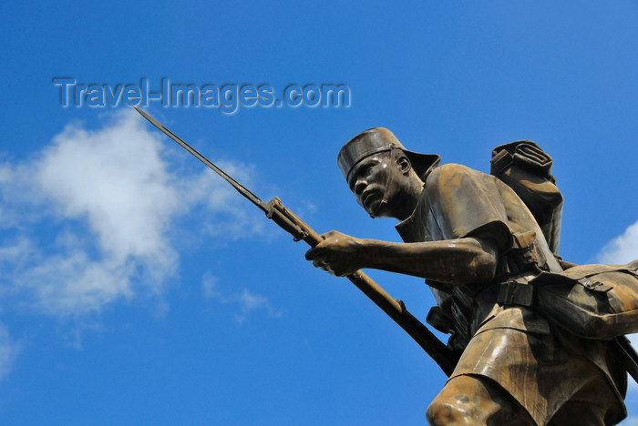 tanzania12: Dar es Salaam, Tanzania: Askari Monument - African  World War I soldier - Azikiwe Street - photo by M.Torres - (c) Travel-Images.com - Stock Photography agency - Image Bank