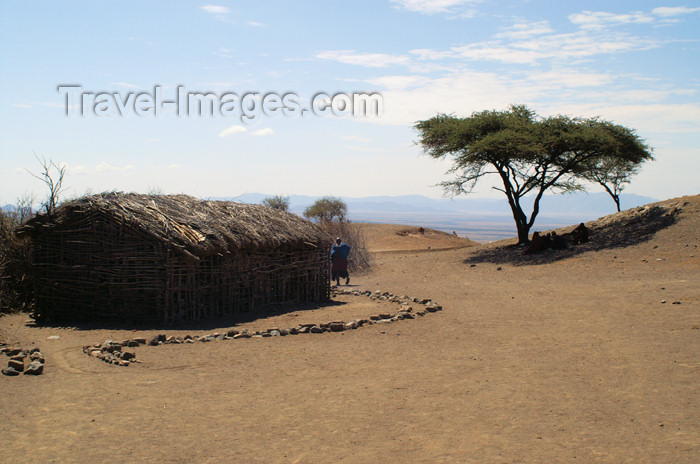 tanzania134: Tanzania - A Masai village near Ngorongoro Crater - photo by A.Ferrari - (c) Travel-Images.com - Stock Photography agency - Image Bank