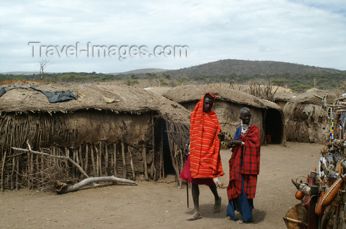 tanzania136: Tanzania - Masai people in a village near Ngorongoro Crater - photo by A.Ferrari - (c) Travel-Images.com - Stock Photography agency - Image Bank
