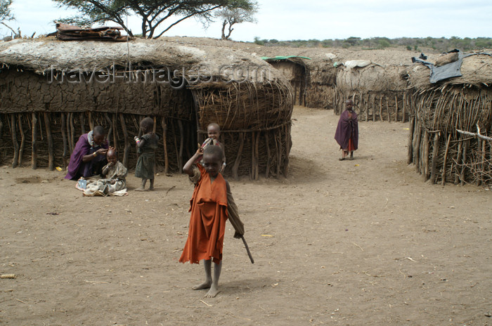 tanzania137: Tanzania - Child in a Masai village near Ngorongoro Crater - photo by A.Ferrari - (c) Travel-Images.com - Stock Photography agency - Image Bank