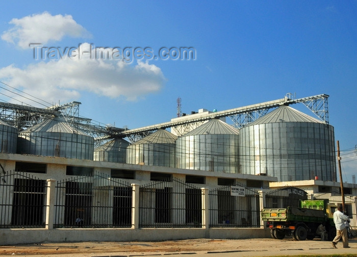 tanzania186: Dar es Salaam, Tanzania: flour mill - food industry - photo by M.Torres - (c) Travel-Images.com - Stock Photography agency - Image Bank