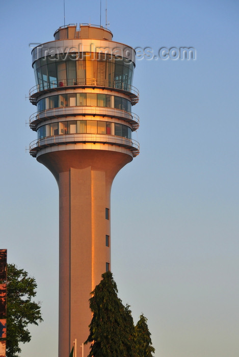 tanzania205: Dar es Salaam, Tanzania: modern architecture - maritime control tower - Kivukoni road - photo by M.Torres - (c) Travel-Images.com - Stock Photography agency - Image Bank