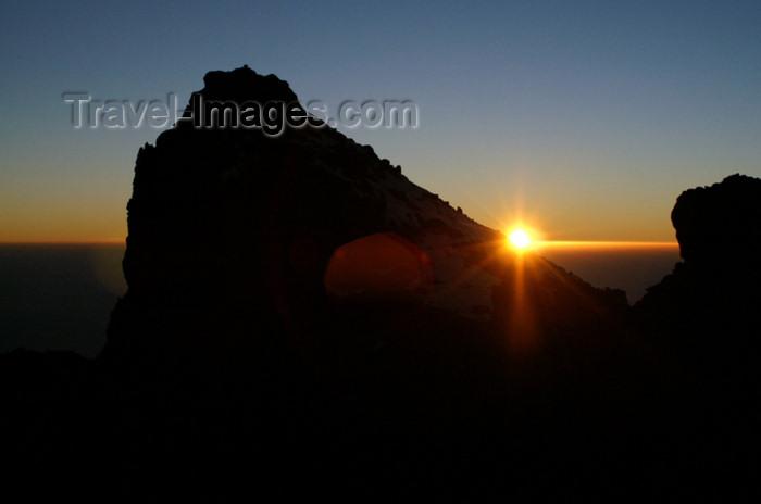 tanzania69: Tanzania - Kilimanjaro NP: Marangu Route - day 5 - Mount Kilimanjaro, a few seconds after sunrise - photo by A.Ferrari - (c) Travel-Images.com - Stock Photography agency - Image Bank