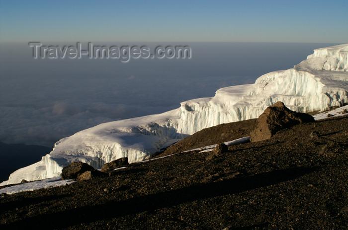 tanzania75: Tanzania - Kilimanjaro NP: Marangu Route - day 5 - Mount Kilimanjaro, Icefields on the way to Uhuru Peak - photo by A.Ferrari - (c) Travel-Images.com - Stock Photography agency - Image Bank