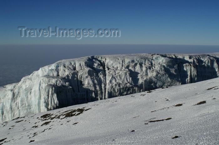 tanzania79: Tanzania - Kilimanjaro NP: Marangu Route - day 5 - Mount Kilimanjaro, the Kibo glacier on the way up to Uhuru peak - photo by A.Ferrari - (c) Travel-Images.com - Stock Photography agency - Image Bank