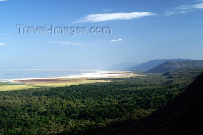 tanzania90: Tanzania - View over Lake Manyara - photo by A.Ferrari - (c) Travel-Images.com - Stock Photography agency - Image Bank