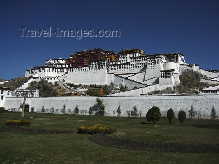 tibet50: Tibet - Lhasa: Potala Palace - historical residence of the Dalai Lamas - UNESCO World Heritage Site - photo by M.Samper - (c) Travel-Images.com - Stock Photography agency - Image Bank