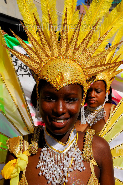 trinidad-tobago152: Port of Spain, Trinidad and Tobago: girl with yellow feathers - carnival - photo by E.Petitalot - (c) Travel-Images.com - Stock Photography agency - Image Bank