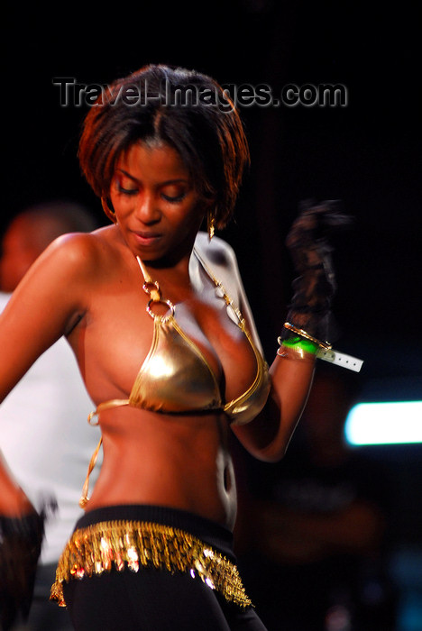 trinidad-tobago167: Port of Spain, Trinidad and Tobago: girl in golden bra dancing during carnival - photo by E.Petitalot - (c) Travel-Images.com - Stock Photography agency - Image Bank
