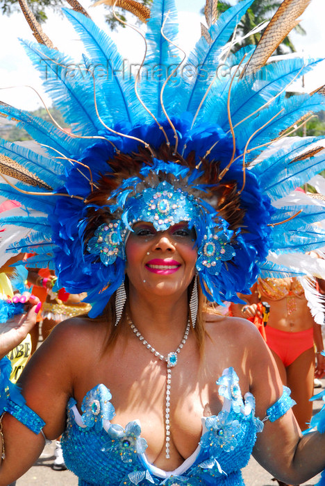 trinidad-tobago83: Port of Spain, Trinidad and Tobago: a woman with blue feather crown and generous cleavage - Carnaval international de Trinidad - photo by E.Petitalot - (c) Travel-Images.com - Stock Photography agency - Image Bank