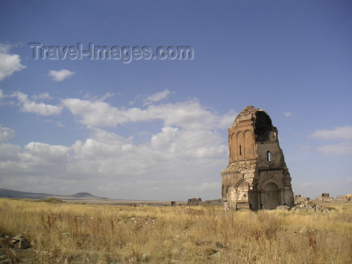 turkey163: Turkey - Ani (Kars province / Western Armenia): Armenian Church of of the Redeemer - it was built to house a portion of the True Cross - split in two by a lightning - photo by A.Kilroy - (c) Travel-Images.com - Stock Photography agency - Image Bank
