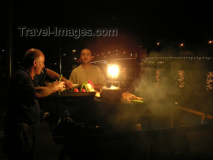 turkey169: Istanbul, Turkey: fish-sandwich stall on the quayside of the Bosphorus (photo by Austin Kilroy) - (c) Travel-Images.com - Stock Photography agency - Image Bank
