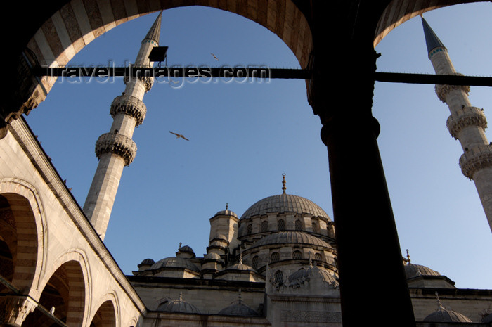 turkey188: Istanbul, Turkey: dome and mineret of Yeni camii / the New mosque - photo by J.Wreford - (c) Travel-Images.com - Stock Photography agency - Image Bank
