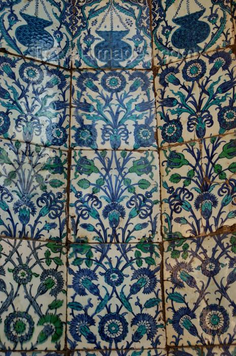 turkey189: Istanbul, Turkey: Islamic tiles - Iznik tiles - yeni camii / New mosque - photo by J.WrefordTurkey - (c) Travel-Images.com - Stock Photography agency - Image Bank