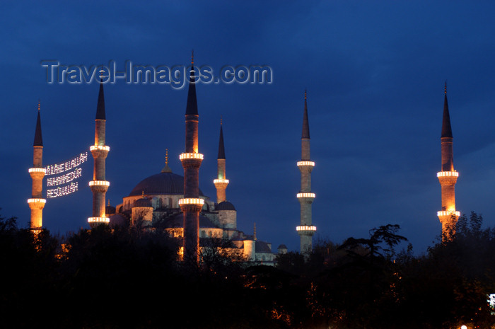 turkey194: Istanbul, Turkey: domes and minarets of the Blue mosque - Sultanahmet Camii - photo by J.Wreford - (c) Travel-Images.com - Stock Photography agency - Image Bank