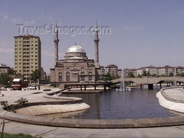 turkey20: Turkey - Kayseri / Kaiseri / ASR (the Roman Caesarea Mazaca): mosque by the pond - photo by A.Slobodianik - (c) Travel-Images.com - Stock Photography agency - Image Bank