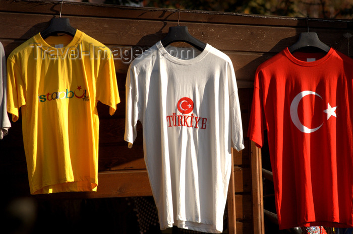 turkey211: Istanbul, Turkey: tee shirts for sale - photo by J.Wreford - (c) Travel-Images.com - Stock Photography agency - Image Bank