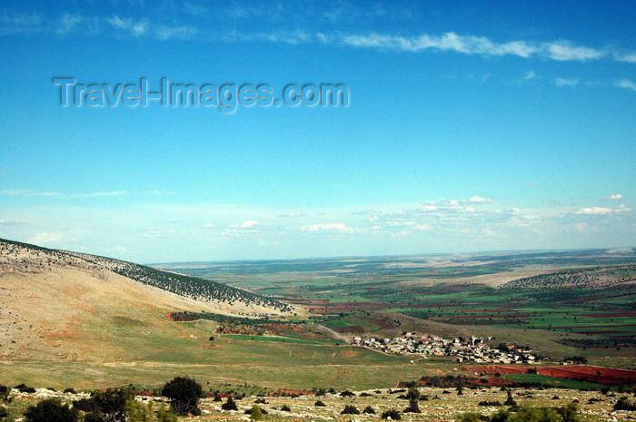 turkey259: Gaziantep province - Kurdistan, Turkey: landscape on the road to Kahta - photo by C. le Mire - (c) Travel-Images.com - Stock Photography agency - Image Bank