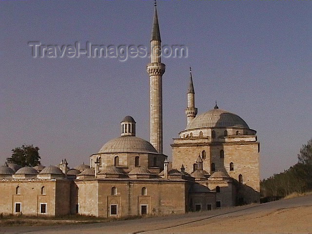 turkey26: Turkey - Edirne: Beyazit II/ Bayaceto mosque / Camii - red sandstone - photo by A.Slobodianik - (c) Travel-Images.com - Stock Photography agency - Image Bank